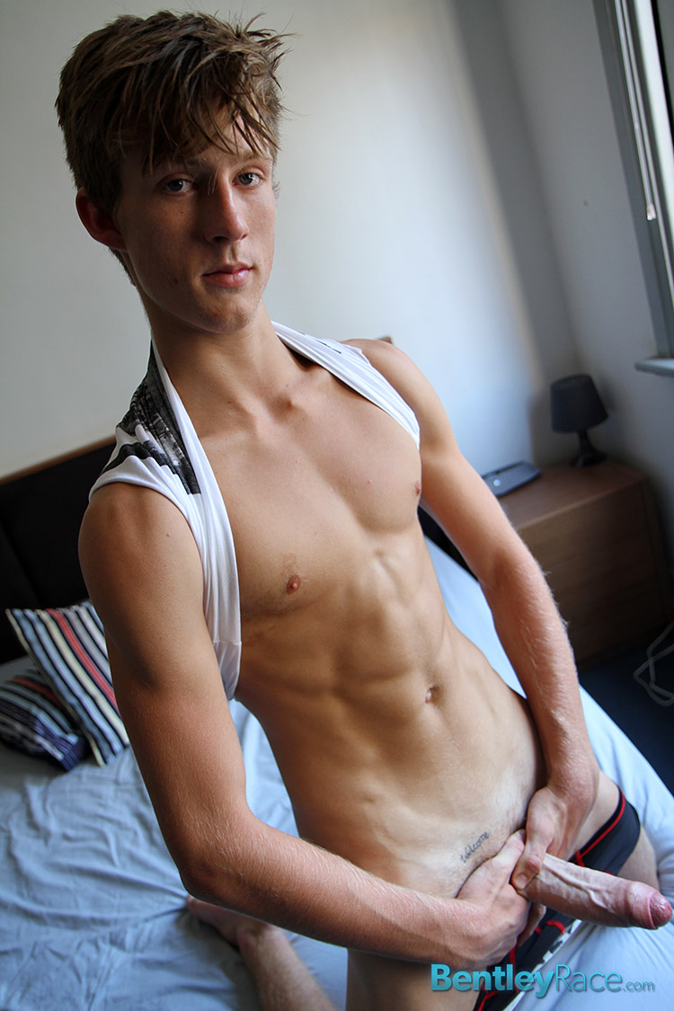 Bentley-Race-Olly-Daniels-Straight-Guy-With-Big-Uncut-Cock-Amateur-Gay-Porn-09 Amateur Straight Australian Teen Jerks His Massive Uncut Cock
