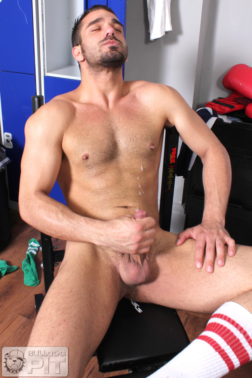 Bulldog-Pit-Jake-Bolton-Athlete-Fucking-Himself-With-A-Dildo-Amateur-Gay-Porn-10 Jake Bolton: Hung Masculine Jock Fucks Himself With Dildos