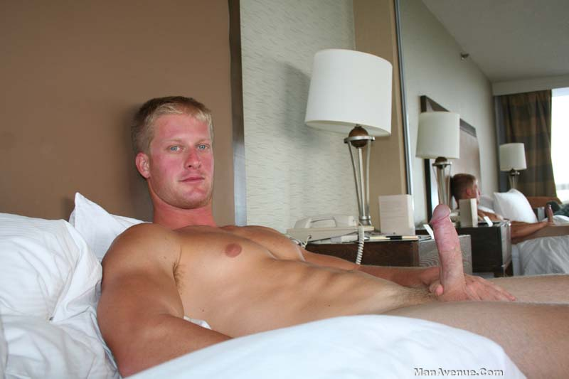 ManAvenue-Mickey-Hardwood-Blonde-Hair-Blue-Eye-Muscle-Hunk-Jerking-Off-Big-Cock-Amateur-Gay-Porn-08 Amateur Straight Blonde Hair Muscle Stud Jerks His Big White Cock