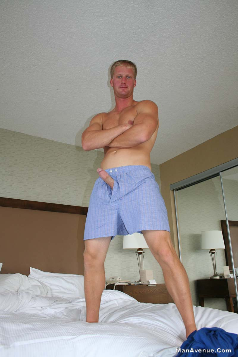 ManAvenue-Mickey-Hardwood-Blonde-Hair-Blue-Eye-Muscle-Hunk-Jerking-Off-Big-Cock-Amateur-Gay-Porn-10 Amateur Straight Blonde Hair Muscle Stud Jerks His Big White Cock
