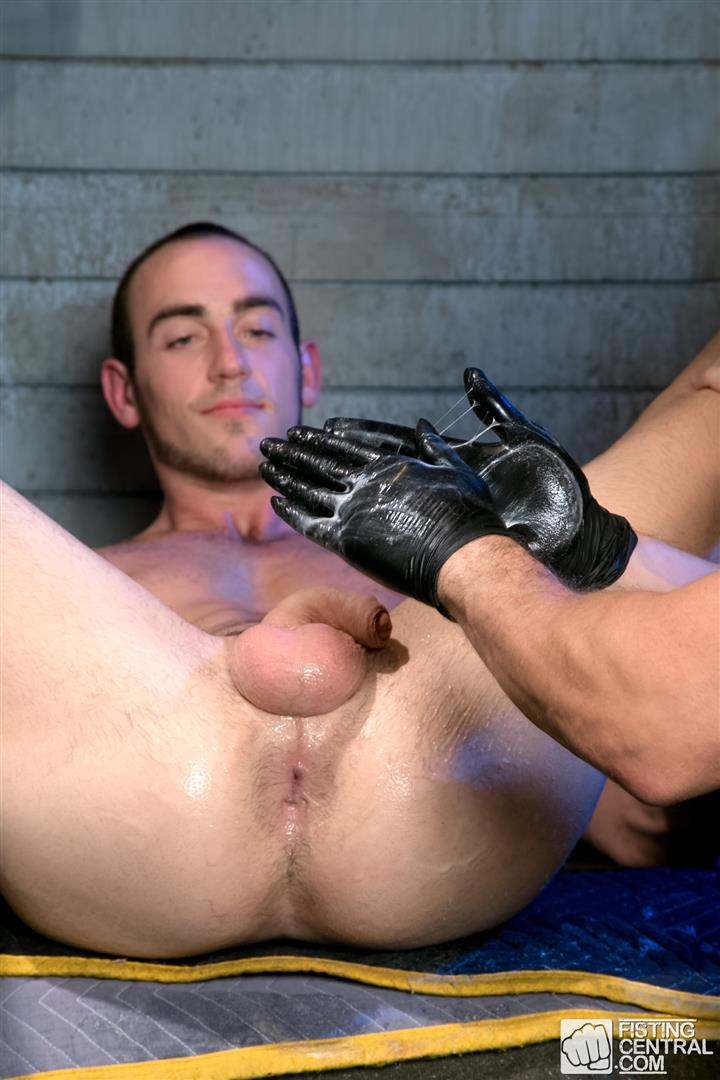 Fetish Force Byron Saint and Christian Mitchell Older Guy Fisting A Younger Guy Amateur Gay Porn 01 Bryon Saint Gets Fisted By Christian Mitchell