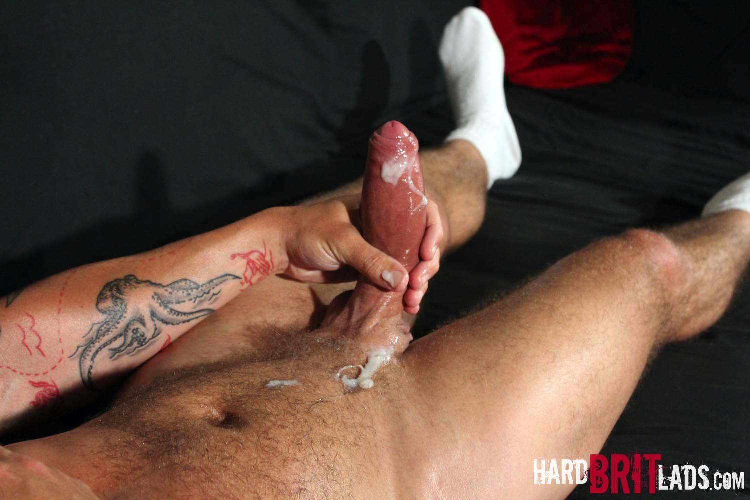 Hard Brit Lads Sam Porter British Muscle Hunk With A big Uncut cock Amateur Gay Porn 24 Tatted Muscle British Hunk Sam Porter Jerking His Big Uncut Cock