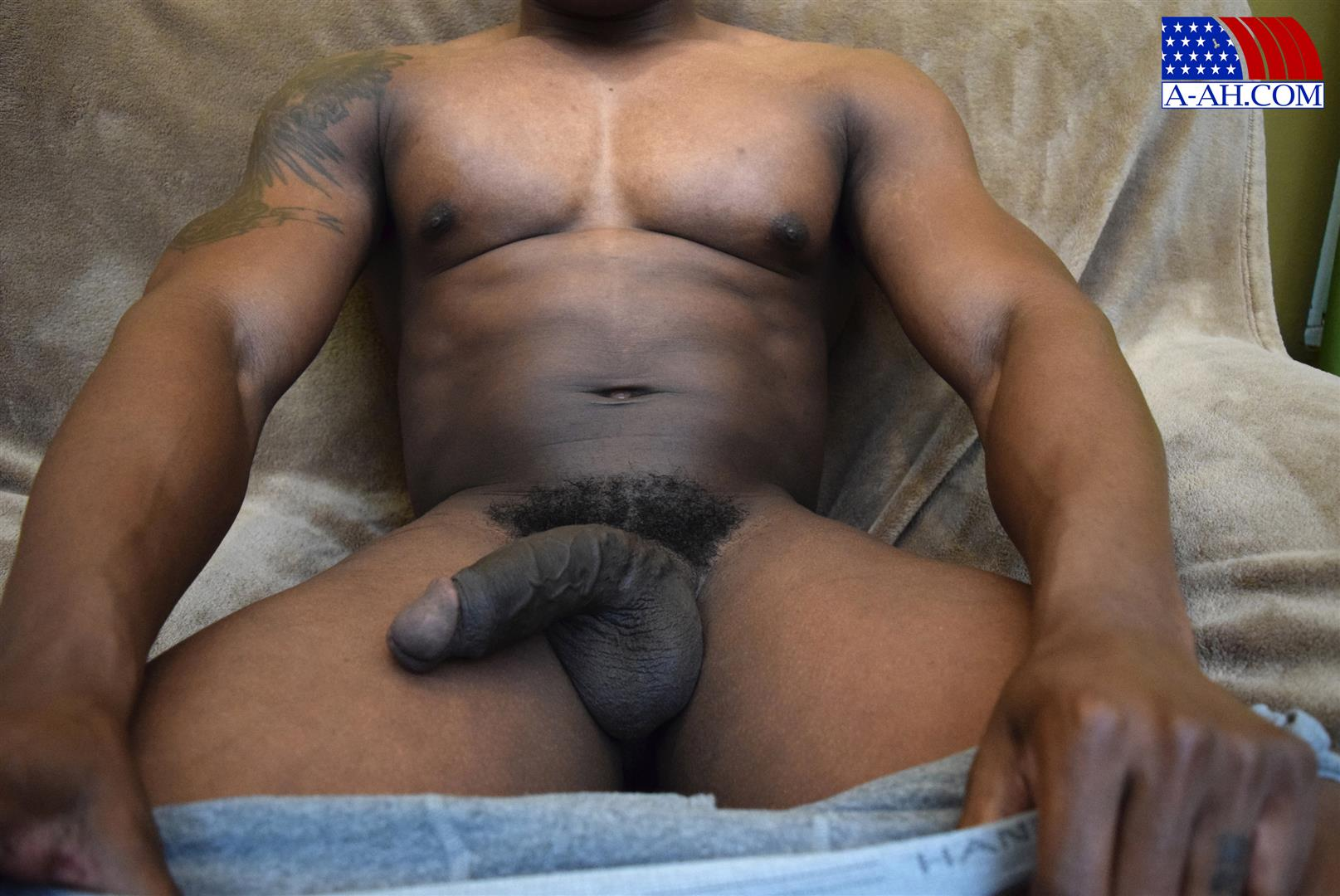 All American Heroes Sean Muscle Navy Petty Officer Jerking Big Black Cock Amateur Gay Porn 09 Big Muscular Black Navy Petty Officer Jerking His Big Black Cock